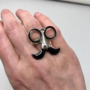 🛍 3 for $10 or 5 for $15 Glasses/Moustache Ring